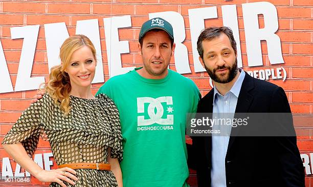 """Actress leslie Mann, actor Adam Sandler and director Judd Apatow attend the """"Funny People"""" photocall, at Villa Magna Hotel on August 27, 2009 in..."""