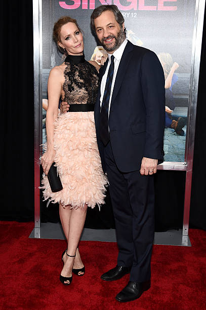 Photos et images de how to be single new york premiere getty images actress leslie mann l and producer judd apatow attend the new york premiere of ccuart Choice Image
