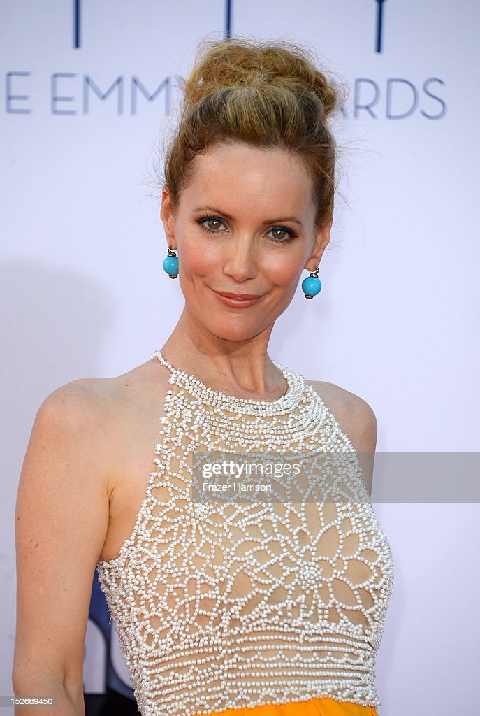 Actress Leslie Mann arrives at the 64th Annual Primetime Emmy Awards at Nokia Theatre L.A. Live on September 23, 2012 in Los Angeles, California.