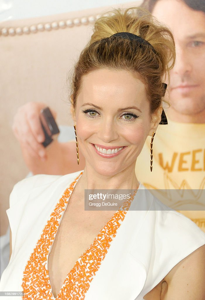 Actress Leslie Mann arrives at the Los Angeles premiere of 'This Is 40' at Grauman's Chinese Theatre on December 12, 2012 in Hollywood, California.