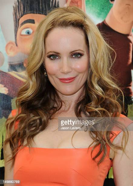 """Actress Leslie Mann attends the premiere of """"ParaNorman"""" at AMC CityWalk Stadium 19 at Universal Studios Hollywood on August 5, 2012 in Universal..."""