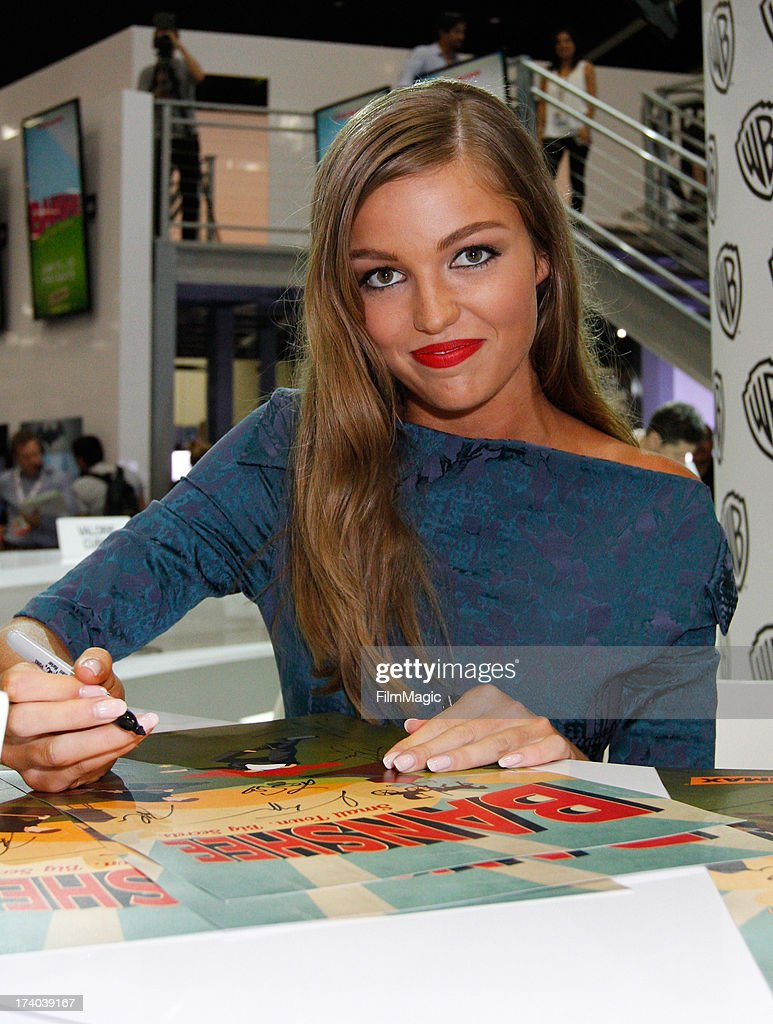 Actress Lili Simmons attends Cinemax's 'Banshee' cast autograph signing at San Diego Convention Center on July 19, 2013 in San Diego, California.