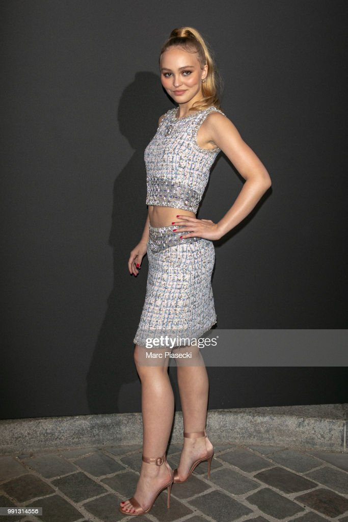 actress-lilyrose-depp-attends-the-vogue-foundation-dinner-photocall-picture-id991314556