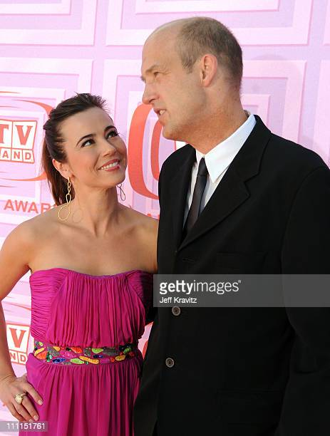 Actress Linda Cardellini and actor Anthony Edwards arrive at the 7th Annual TV Land Awards held at Gibson Amphitheatre on April 19, 2009 in Universal...