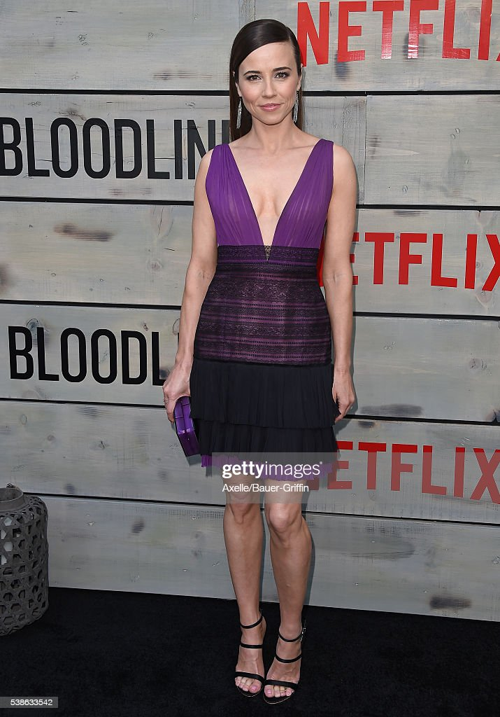 Actress Linda Cardellini arrives at the premiere of Netflix's 'Bloodline' at Landmark Regent on May 24, 2016 in Los Angeles, California.