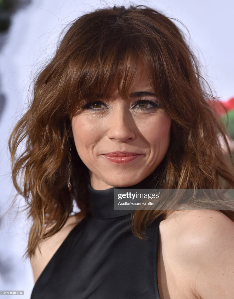 Actress Linda Cardellini arrives at the premiere of Paramount Pictures' 'Daddy's Home 2' at Regency Village Theatre on November 5, 2017 in Westwood, California.