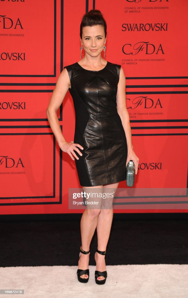 Actress Linda Cardellini attends 2013 CFDA FASHION AWARDS Underwritten By Swarovski - Red Carpet Arrivals at Lincoln Center on June 3, 2013 in New York City.