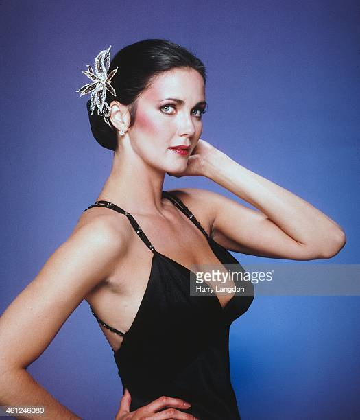 Actress Linda Carter poses for a portrait in 1980 in Los Angeles California