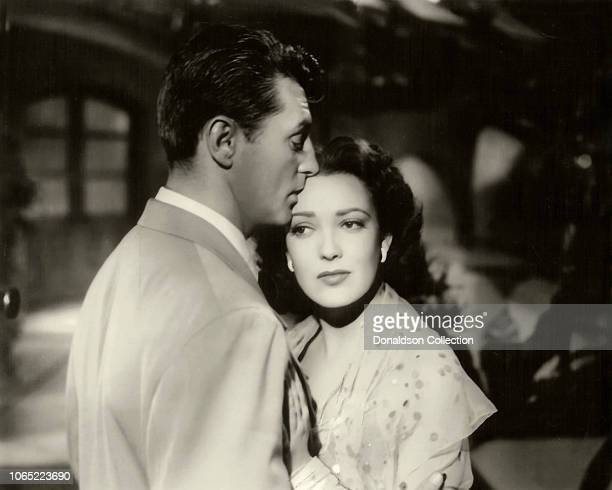 Actress Linda Darnell and Robert Mitchum in a scene from the movie Our Modern Maidens