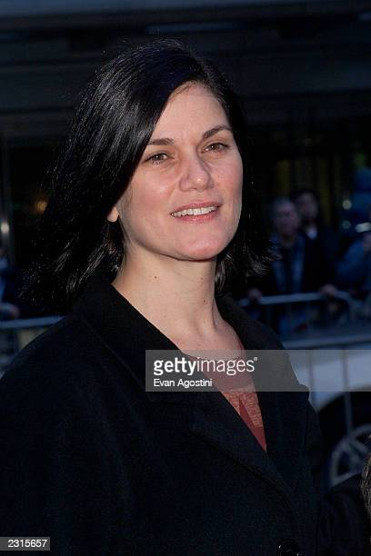 Actress Linda Fiorentino at the NY Premiere of 'Harry Potter and the Sorcerer's Stone' at the Ziegfeld Theatre in New York City Photo Evan...