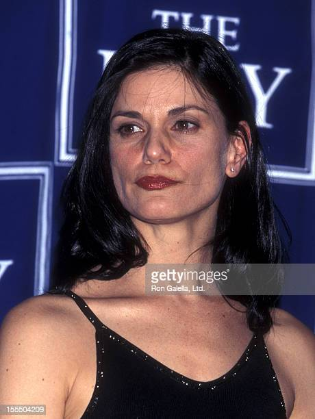 Actress Linda Fiorentino attends Sixth Annual ESPY Awards on February 9 1998 at Radio City Music Hall in New York City