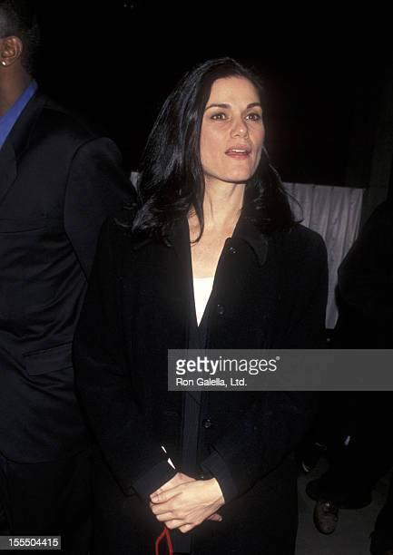 Actress Linda Fiorentino attends the grand opening of Michael Jordan's Steakhouse on February 7 1998 at Grand Central Station in New York City