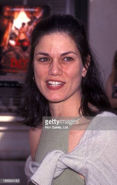 Actress Linda Fiorentino attends the premiere of Buddy on May 31 1997 at Sony Studios in Culver City California