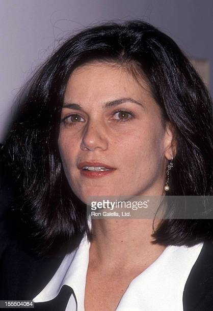 Actress Linda Fiorentino attends the premiere of The Last Seduction on October 24 1994 at the Sony 19th Street East Theater in New York City