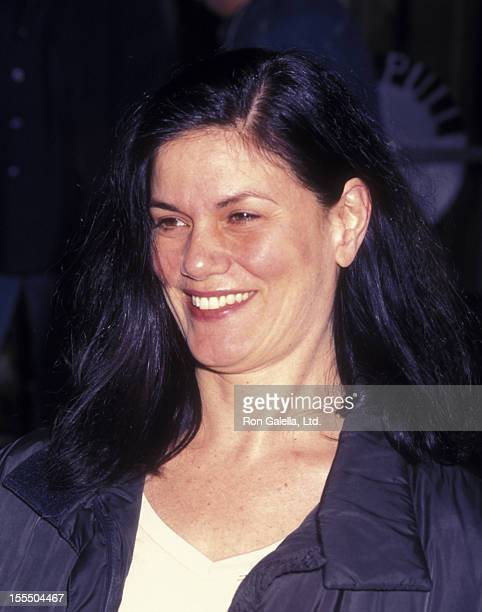 Actress Linda Fiorentino attends the premiere of The Wild Thornberries Movie on December 15 2002 at the Beekman Theater in New York City