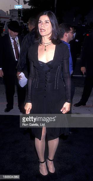 Actress Linda Fiorentino attends the world premiere of Men In Black on June 25 1997 at the Cinerama Dome Theater in Hollywood California
