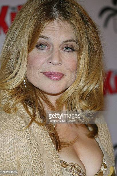 Actress Linda Hamilton attends the film premiere of 'The Kid I' at The Mann Grauman's Chinese Theater on November 28 2005 in Hollywood California