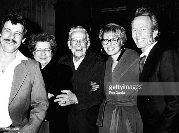 Actress Linda Kozlowski family and actor Paul Hogan sighted on December 10 1990 at Cafe Des Artistes in New York City