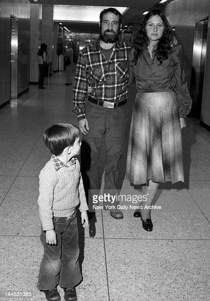 Actress Linda Lovelace aka Linda Susan Boreman with her husband Larry Marchiano at Mineola Supreme Court Young boy is unidentified