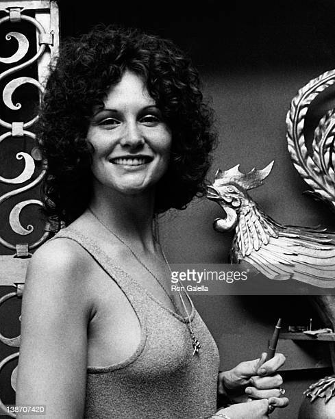 "Actress Linda Lovelace attends the press conference for Linda Lovelace Book ""Inside Linda Lovelace"" on May 30, 1973 at the Gaslight Lounge in New..."