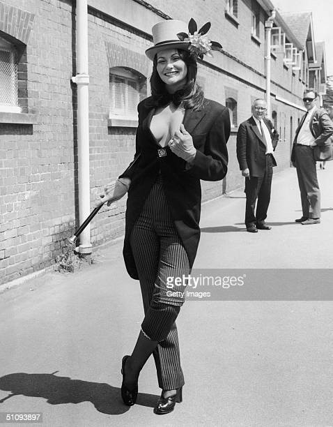 Actress Linda Lovelace Poses June 20 1974 In England The Star Of The Pornographic Film Deep Throat Died April 22 2002 From Injuries Suffered In A Car...