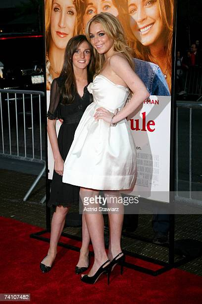 """Actress Lindsay Lohan and sister Ali Lohan attend the premiere of """"Georgia Rule"""" at the Ziegfeld on May 8, 2007 in New York City."""