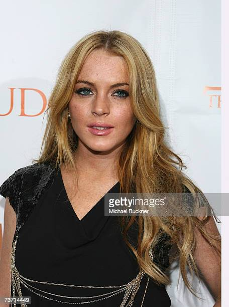 "Actress Lindsay Lohan arrives at the premiere screening of Showtime's ""The Tudors"" at the Egyptian Theatre on March 26, 2007 in Los Angeles,..."