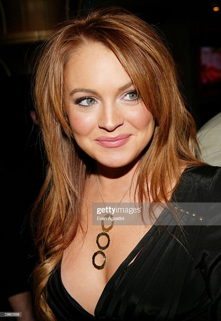 Actress Lindsay Lohan attends the 'Confessions Of A Teenage Drama Queen' premiere on February 17, 2004 at the Loews E-Walk Theater, in New York City.