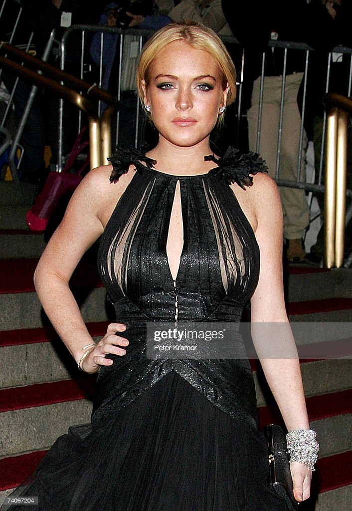 Actress Lindsay Lohan attends the Metropolitan Museum of Art Costume Institute Benefit Gala 'Poiret: King Of Fashion' at the Metropolitan Museum of Art on May 7, 2007 in New York City.