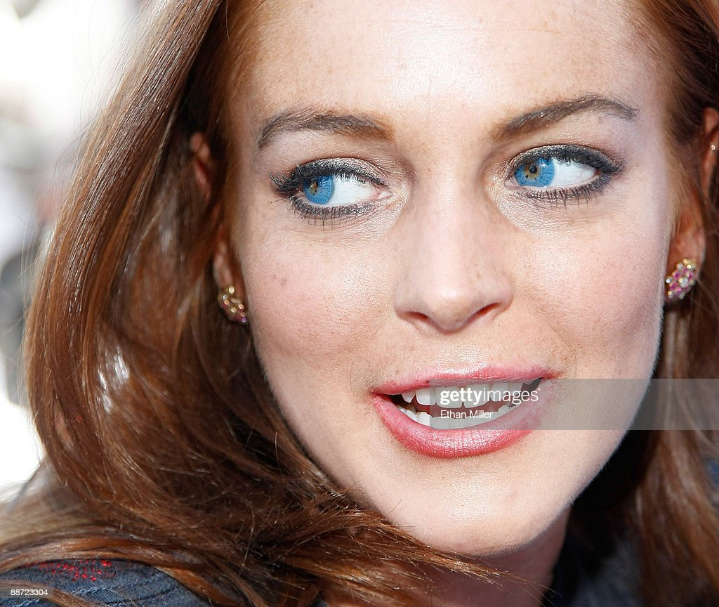 Lindsay Lohan Celebrates Her Birthday At Wet Republic At MGM Grand : News Photo