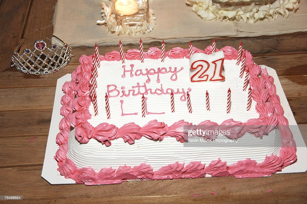 Outstanding Actress Lindsay Lohans Birthday Cake At Her 21St Birthday News Funny Birthday Cards Online Overcheapnameinfo