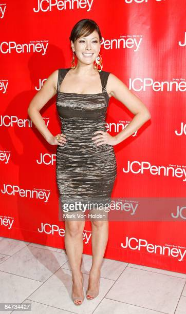 """Actress Lindsay Price attends """"Style Your Spring"""" presented by J.C. Penney at Espace on February 10, 2009 in New York City."""