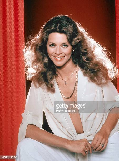 Actress Lindsay Wagner poses for a portrait in 1978 in Los Angeles California