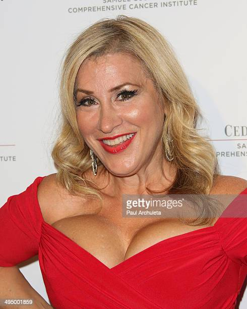Actress Lisa Ann Walter attends the 10th Anniversary of What A Pair Benefit Concert at Saban Theatre on May 31 2014 in Beverly Hills California