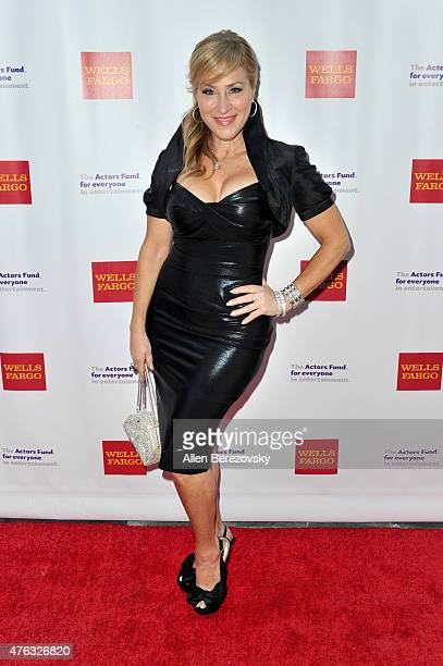 Actress Lisa Ann Walter attends The Actors Fund's 19th Annual Tony Awards viewing party at Skirball Cultural Center on June 7, 2015 in Los Angeles,...