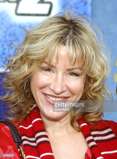 Actress Lisa Ann Walter attends the premiere of the Walt Disney film Inspector Gadget 2 video and DVD release at the El Capitan Theatre on March 8...
