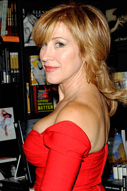 Actress Lisa Ann Walter Signs Copies Of Her New Book -9461