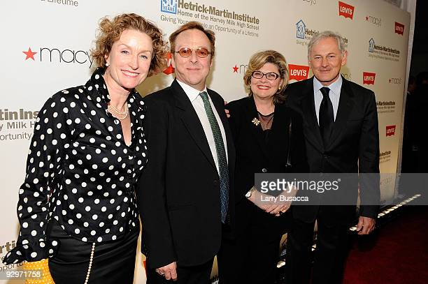 Actress Lisa Banes actor Edward Hibbert actress Debra Monk and actor Victor Garber attend The 2009 Emery Awards and 30th Anniversary of the...