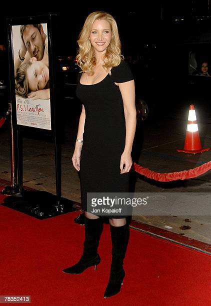 Actress Lisa Kudrow arrives at the Los Angeles premiere 'PS I Love You' at Grauman's Chinese Theater on December 9 2007 in Hollywood California