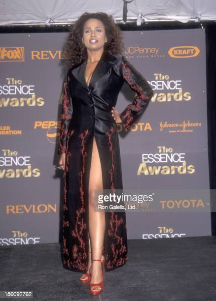Actress Lisa Nicole Carson attends the 1998 Essence Awards on April 10 1998 at Madison Square Garden in New York City