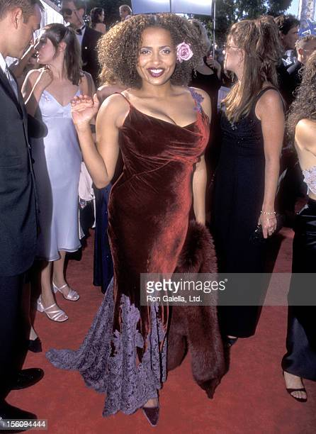 Actress Lisa Nicole Carson attends the 51st Annual Primetime Emmy Awards on September 12 1999 at Shrine Auditorium in Los Angeles California