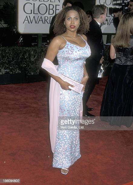 Actress Lisa Nicole Carson attends the 58th Annual Golden Globe Awards on January 21 2001 at Beverly Hilton Hotel in Beverly Hills California
