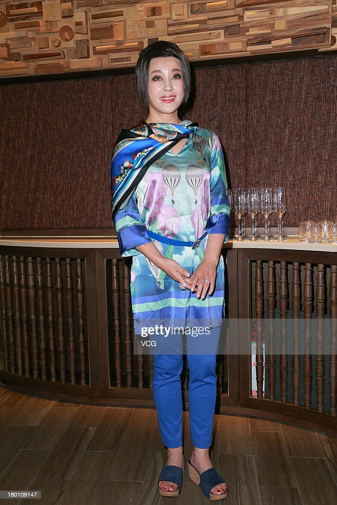 Actress Liu Xiaoqing attends stage drama 'The Beauty ...