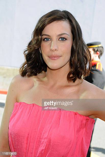 Actress Liv Tyler arrives to the 2008 MTV Movie Awards at the Gibson Amphitheatre on June 1, 2008 in Universal City, California.
