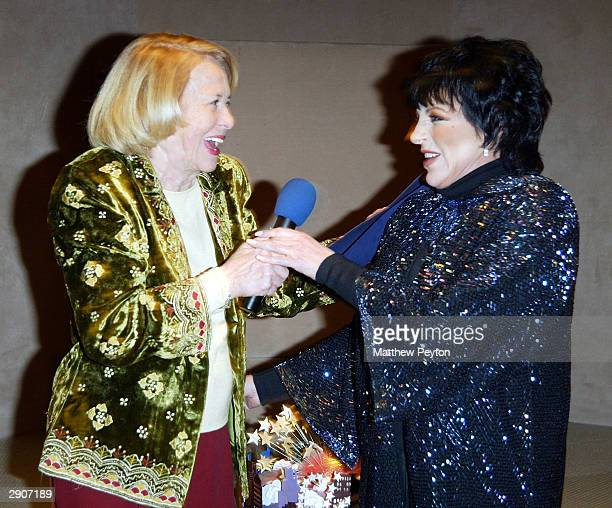 Actress Liza Minnelli performs for columnist Liz Smith at the Design For Our City event honoring Liz Smith for her dedication to help make the city a...