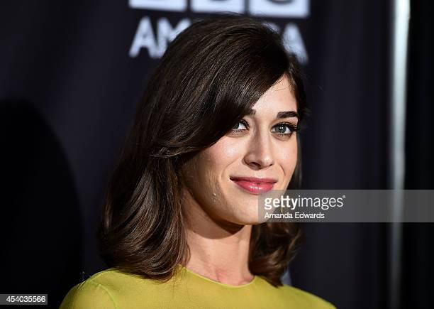 Actress Lizzy Caplan arrives at the BAFTA Los Angeles TV Tea presented y BBC and Jaguar at SLS Hotel on August 23, 2014 in Beverly Hills, California.