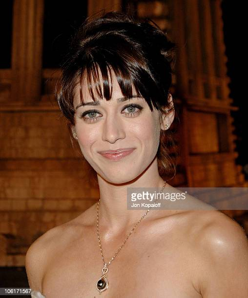 "Actress Lizzy Caplan arrives at the Los Angeles Premiere ""Cloverfield"" at Paramount Studios on January 16, 2008 in Los Angeles, California."