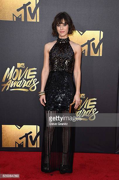 Actress Lizzy Caplan attends the 2016 MTV Movie Awards at Warner Bros Studios on April 9 2016 in Burbank California MTV Movie Awards airs April 10...
