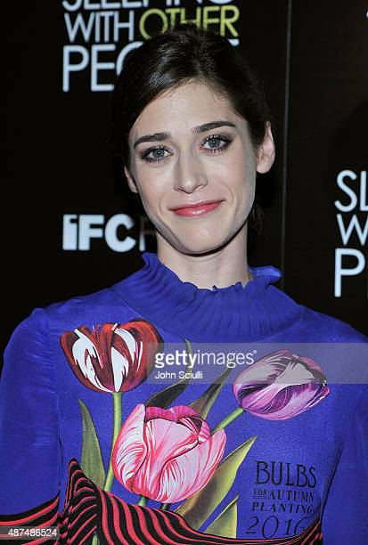 "Actress Lizzy Caplan attends the Los Angeles premiere of IFC Films ""Sleeping with Other People"" presented by Dark Horse Wine on September 9, 2015 in..."