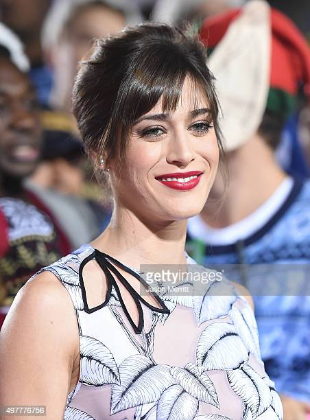 Actress Lizzy Caplan attends the premiere of 'The Night Before' at The Theatre At The Ace Hotel on November 18, 2015 in Los Angeles, California.